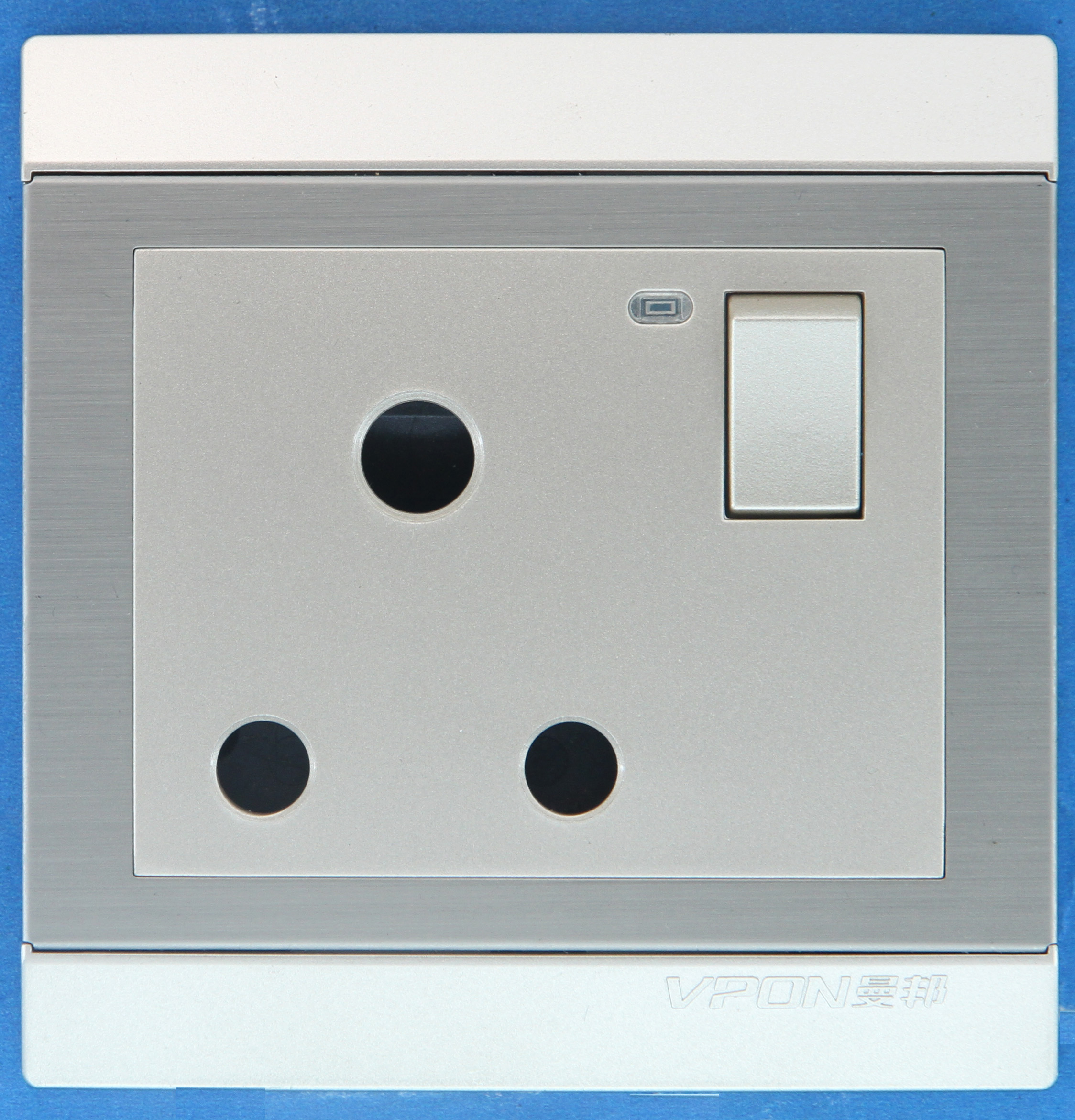 15A British Wall Switch Socket with LED